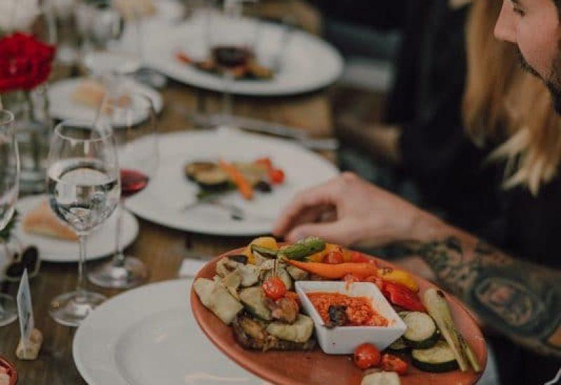 Verduras a la parrilla con romesco